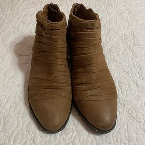 Ankle boots size 6 1/2